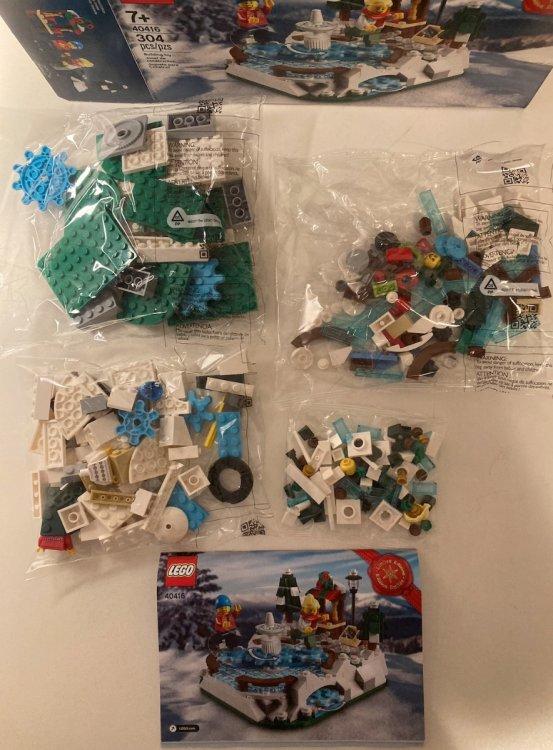 837032374_LEGOIceSkatingRink40416HolidayDecemberGiftPromoInstructionsPiecesBagsToysnbricksReview.thumb.jpg.10619733f8c2bdb2990fa65f76b9d2db.jpg
