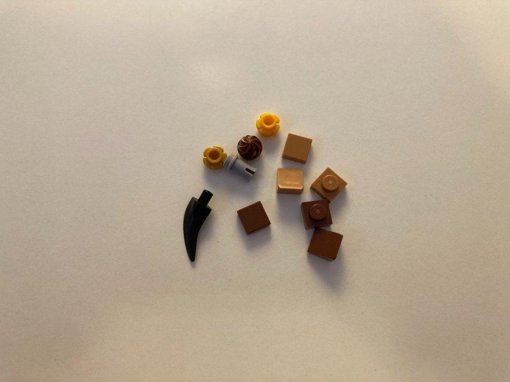 944614492_LEGO40417YearoftheOxLunarChineseNewYear2021ExtraSparePiecesPartsReviewToysnbricks.thumb.jpg.d8971dd58cf80824bed4149f3efca350.jpg